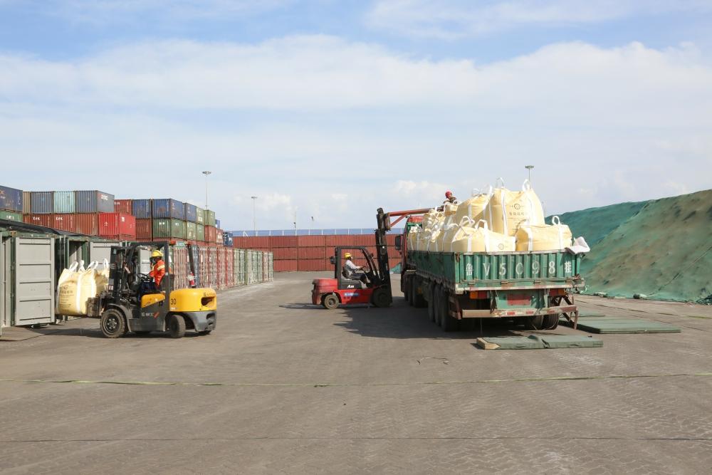 """山东港口潍坊港生产指挥中心:""""五化""""建设助力港口高质量发展"""