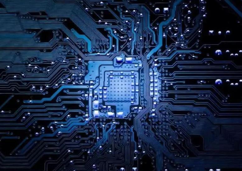 美国加大马力制裁华为,继续全面封杀芯片出口,中方该怎么办?