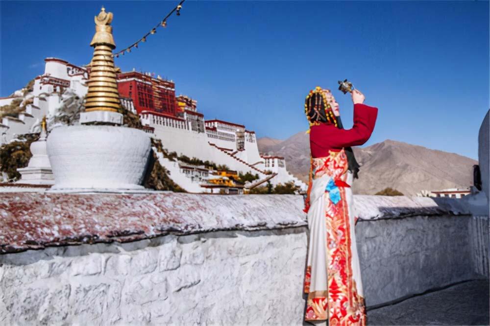 西藏羊湖8亿公斤鱼类泛滥成灾,随手就可捕捞,为何无人敢吃?