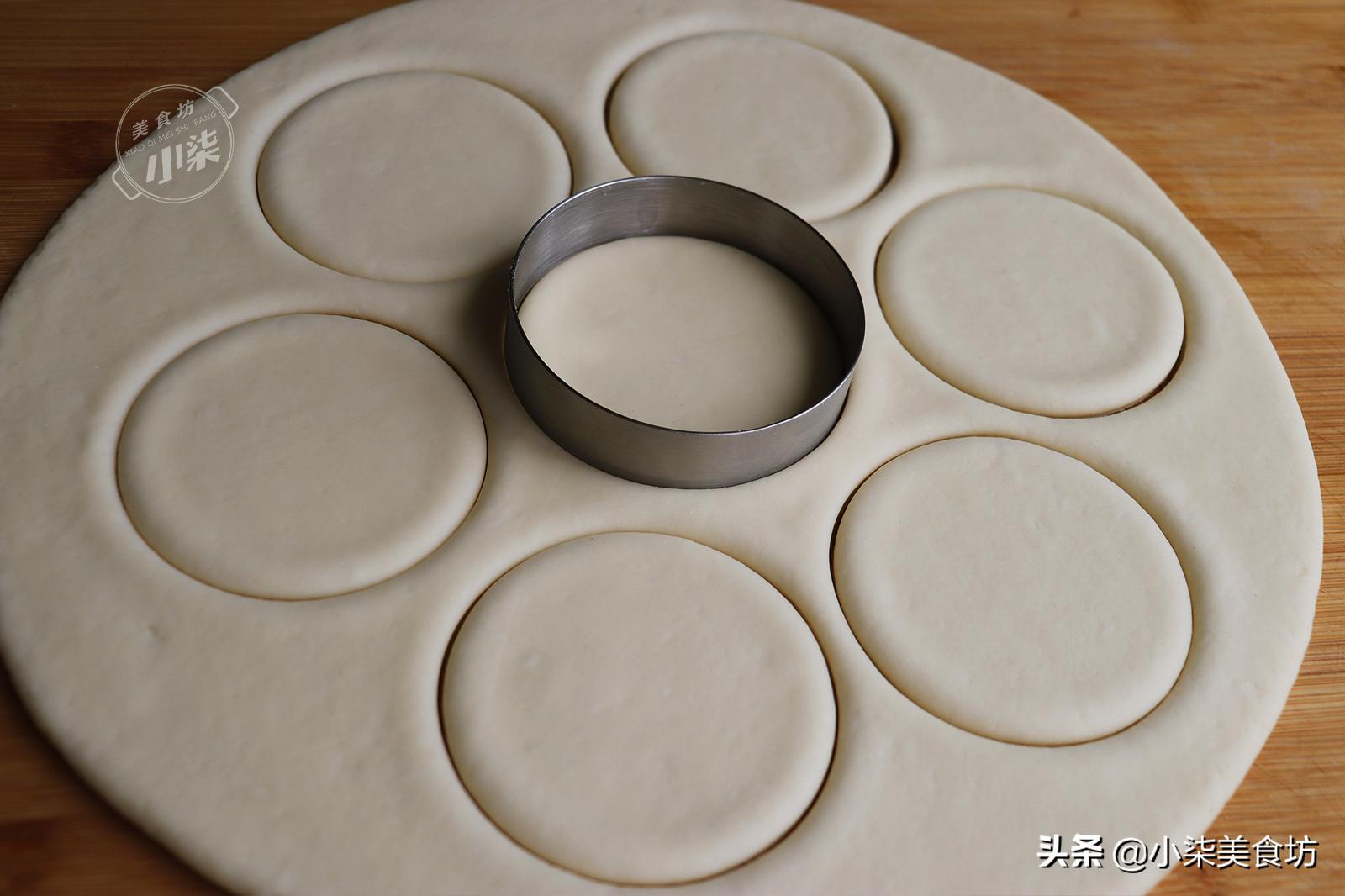 奶香小餅做法,掌握這2個烙制技巧,柔軟香甜,老人孩子都喜歡