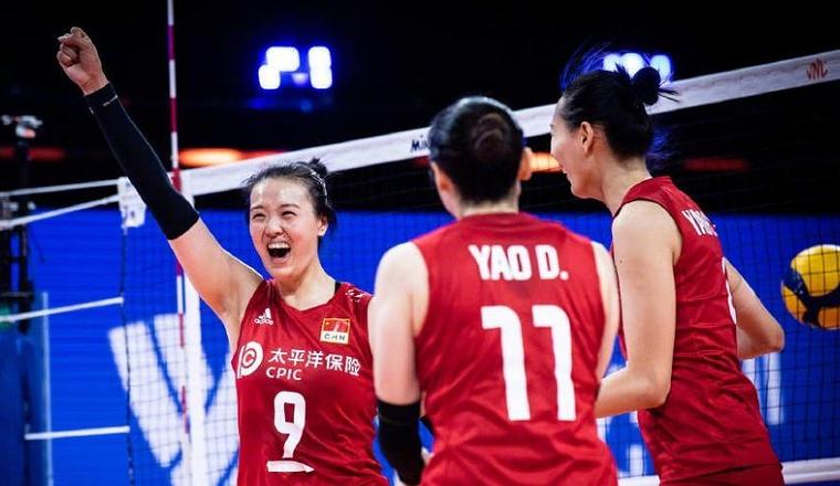 杀疯了!中国女排12-0冲垮比利时,郎平心情大好,单独指导张常宁