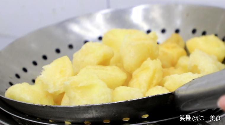 所有拔丝菜的秘诀都在糖浆里!学会以后做出解腻好吃的拔丝苹果