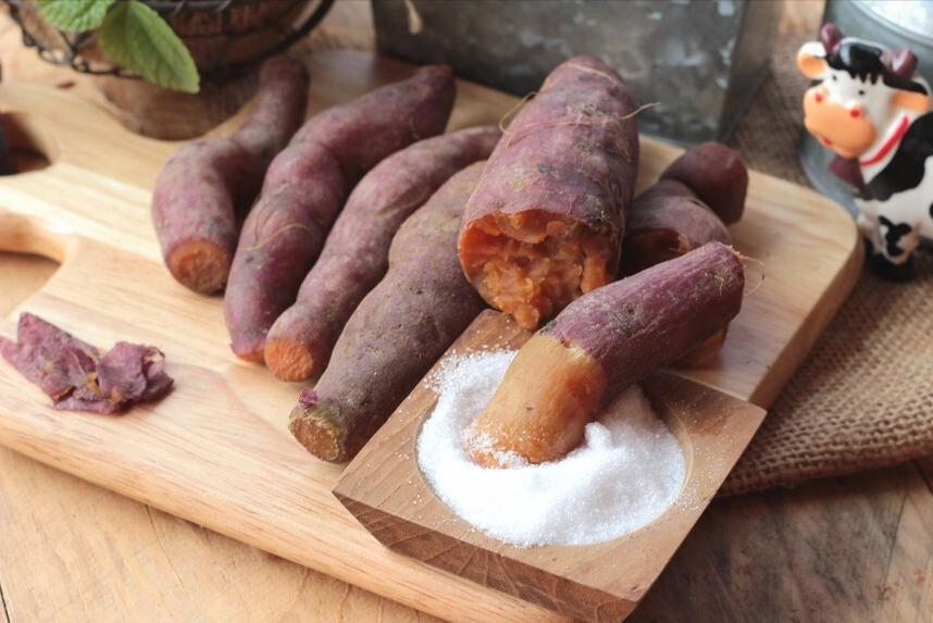 蒸红薯,直接上锅是不行的,牢记3个小窍门,红薯更香甜更绵软