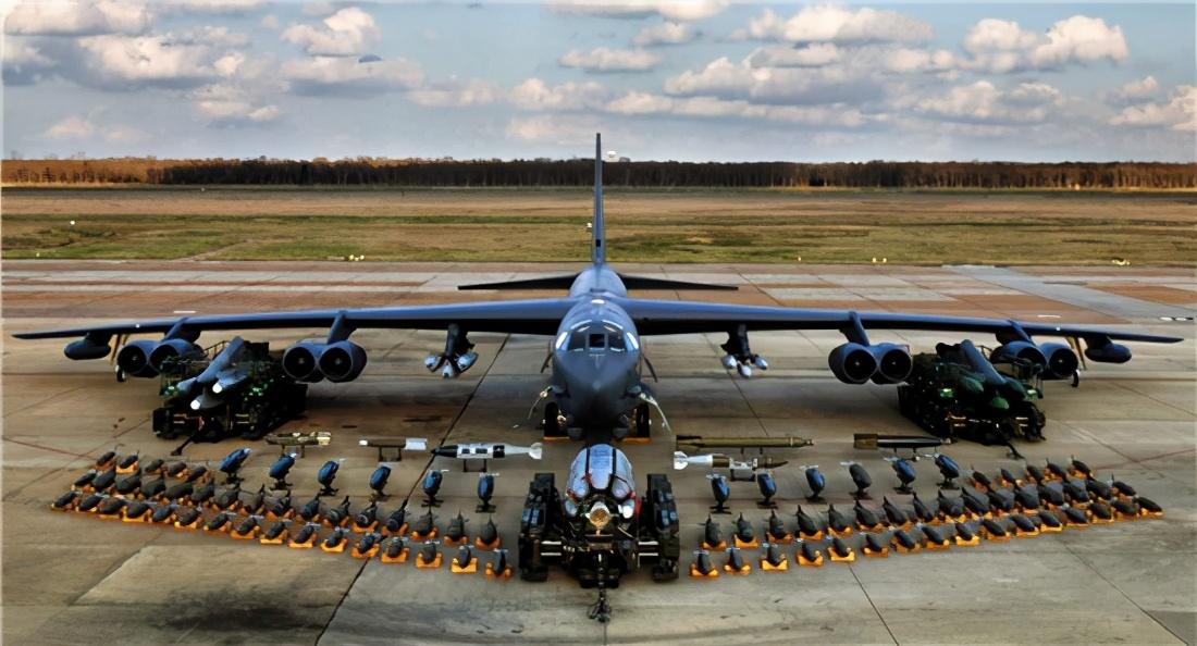 伊朗迟迟没动作,特朗普有些急了,两架B-52在海湾上空盘旋36小时