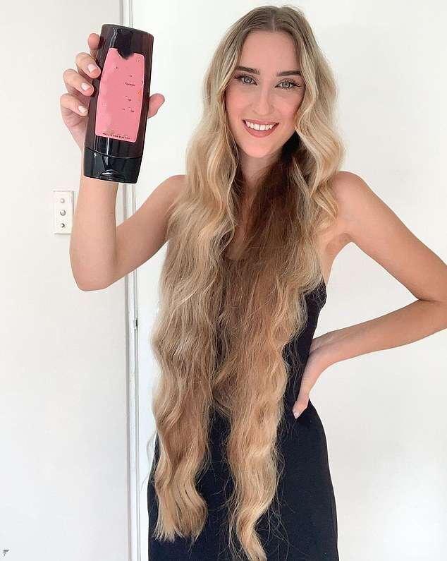 澳洲女子5年没剪头发,如今长到1米,洗后要3个小时才能干