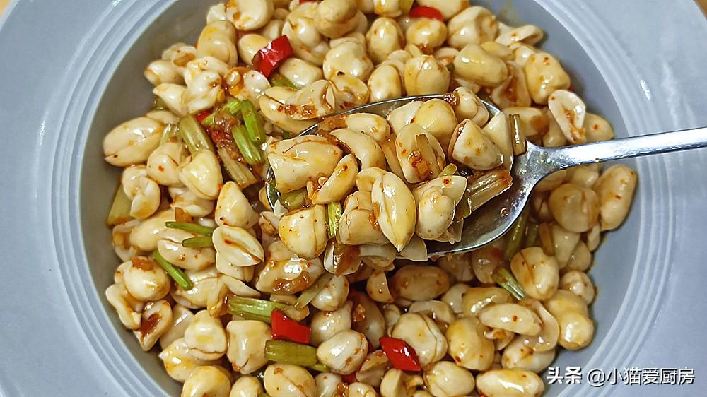 教你生拌花生米的做法,比水煮簡單,比油炸香,用來下飯下酒不錯