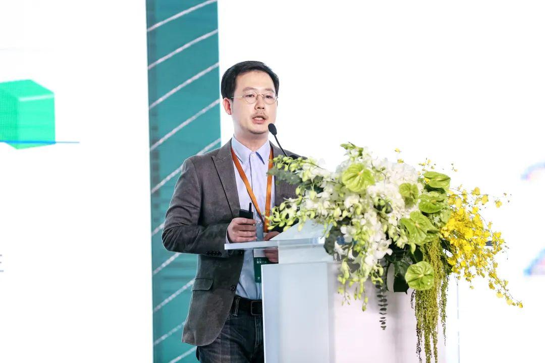高光亮相成就泸州老窖创新引领中国白酒轻奢消费时代