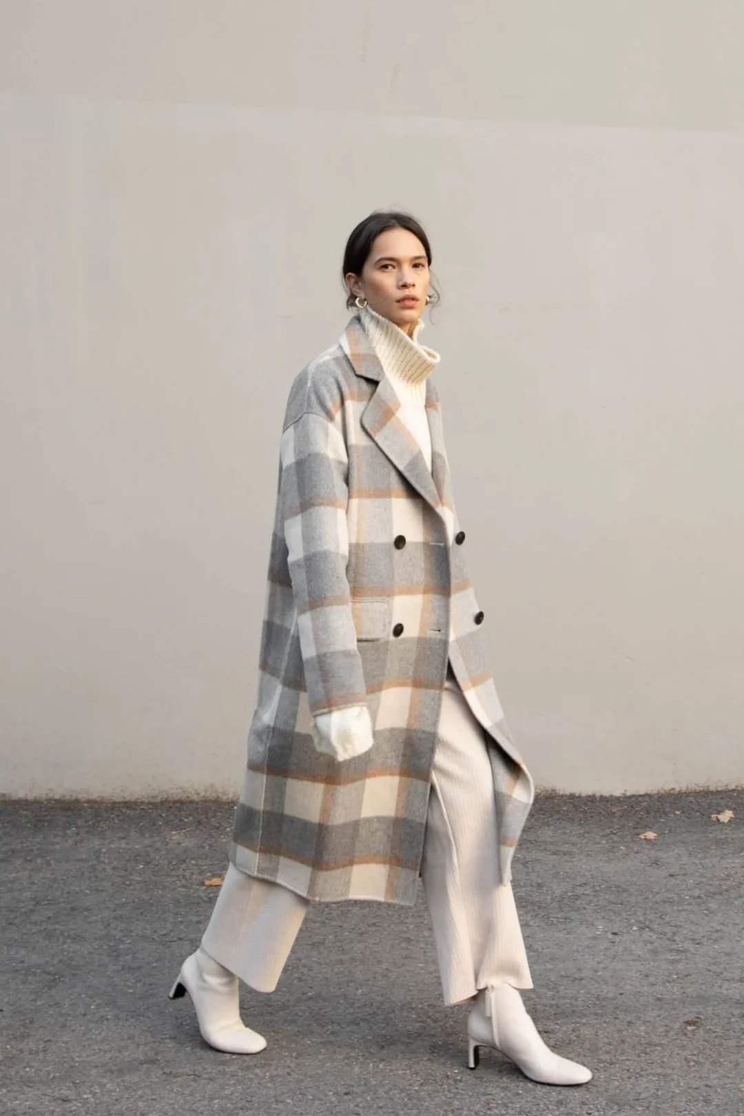 毛呢大衣全攻略:怎么穿显高,几百块vs上万块的差别在哪里?