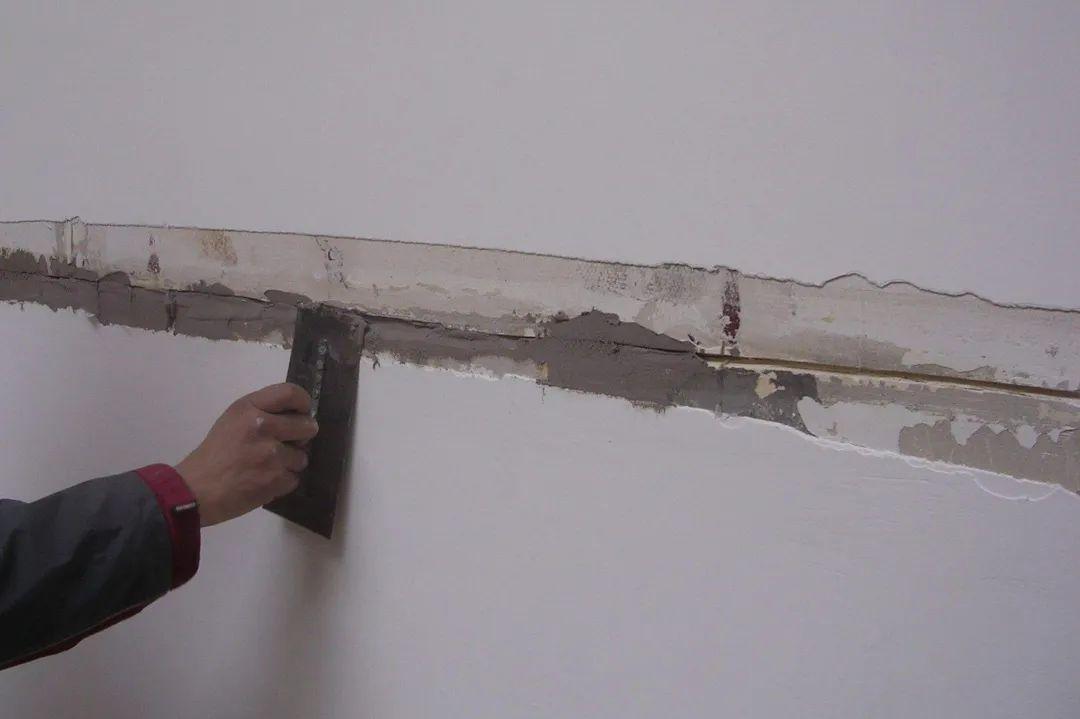 腻子涂层会出现裂缝,起皮,掉粉现象,究竟是什么原因所致