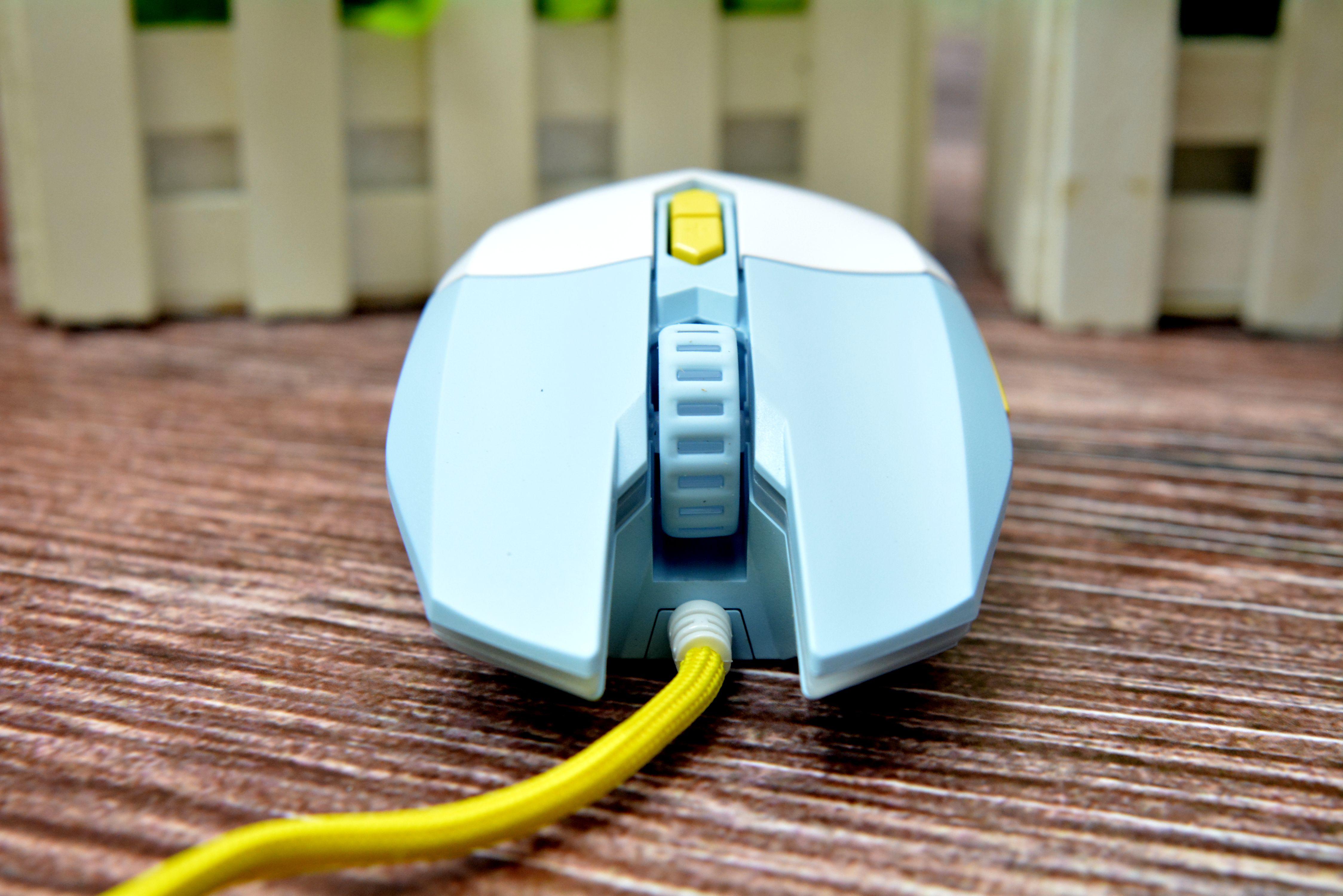 轻量化进行到底 达尔优EM910牧马人轻量化游戏鼠标评测