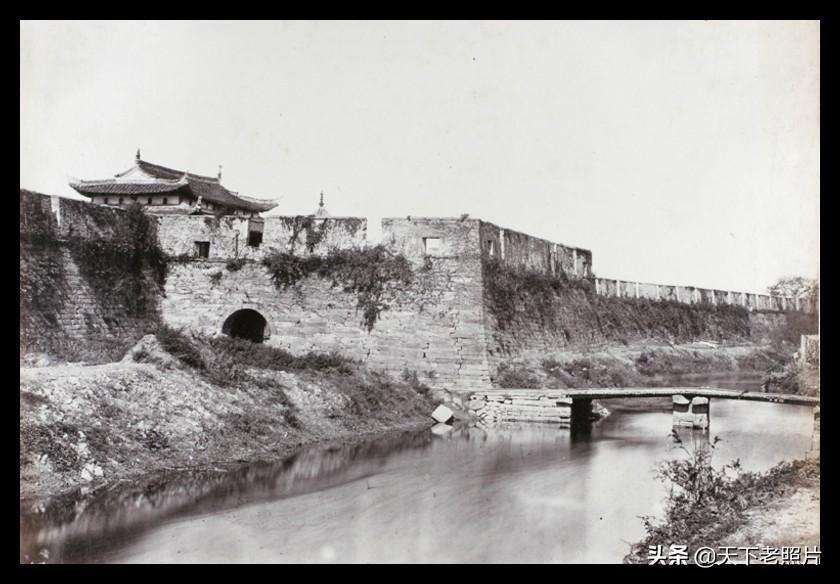 1870年代宁波镇海老照片,镇海城门城墙、招宝山、海防炮