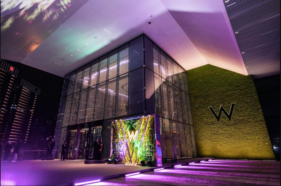 成都W酒店揭幕,卡地亚首展落地、ch22打造趣味互动色彩空间