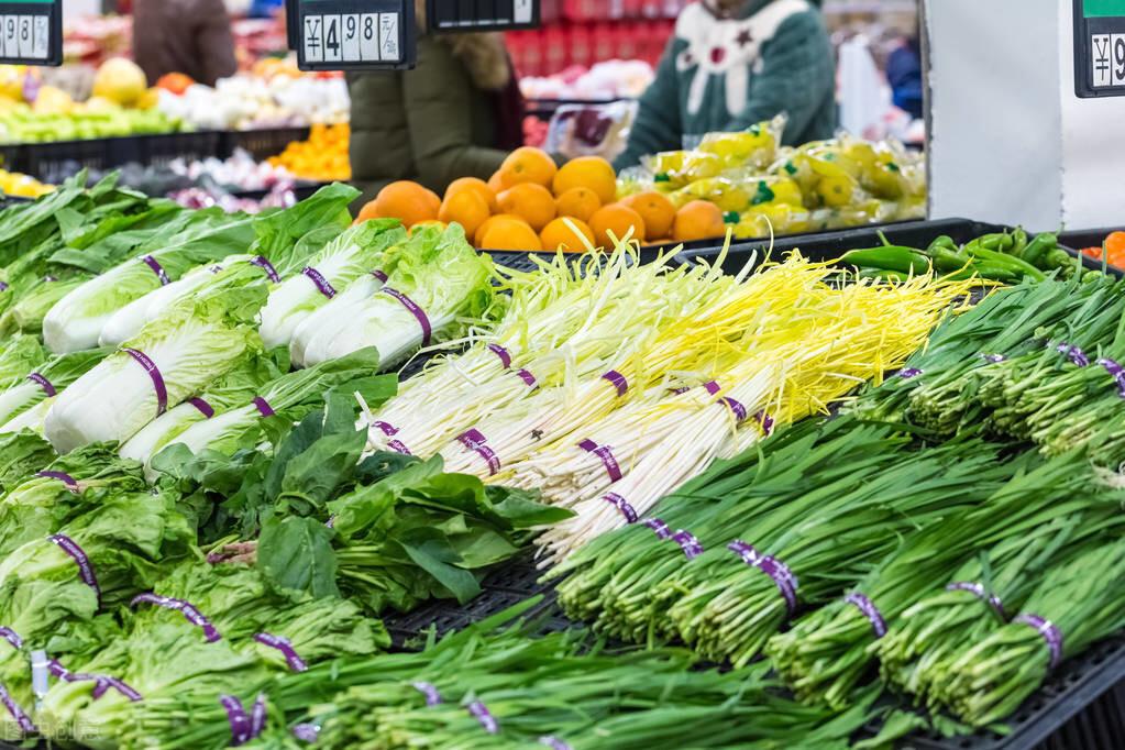 肉、蛋、菜价格下降,猪肉回到20元,蔬菜价格上涨