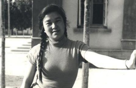 因婚內愛上45歲艾青,高瑛被判勞教,終成眷屬後艱難相守40年