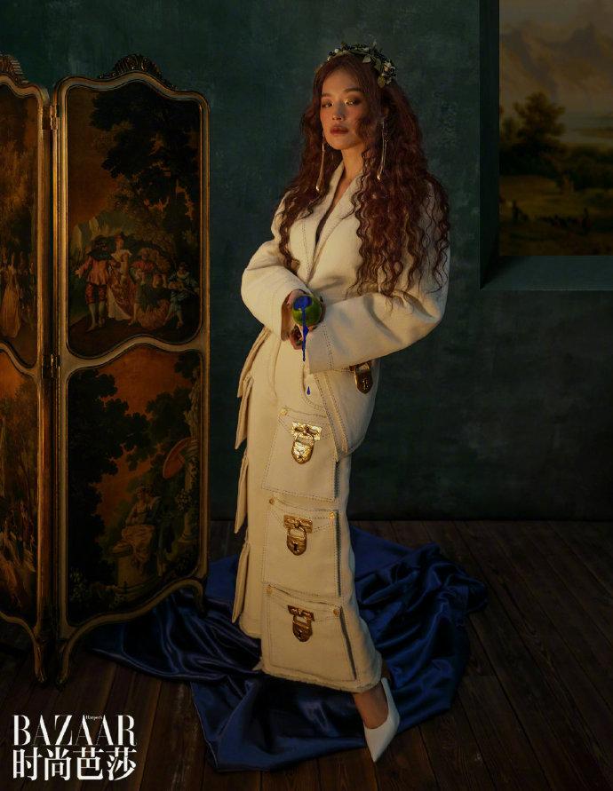 舒淇复古油画大片,造型表现力极佳,仿佛置身唯美浪漫的童话世界