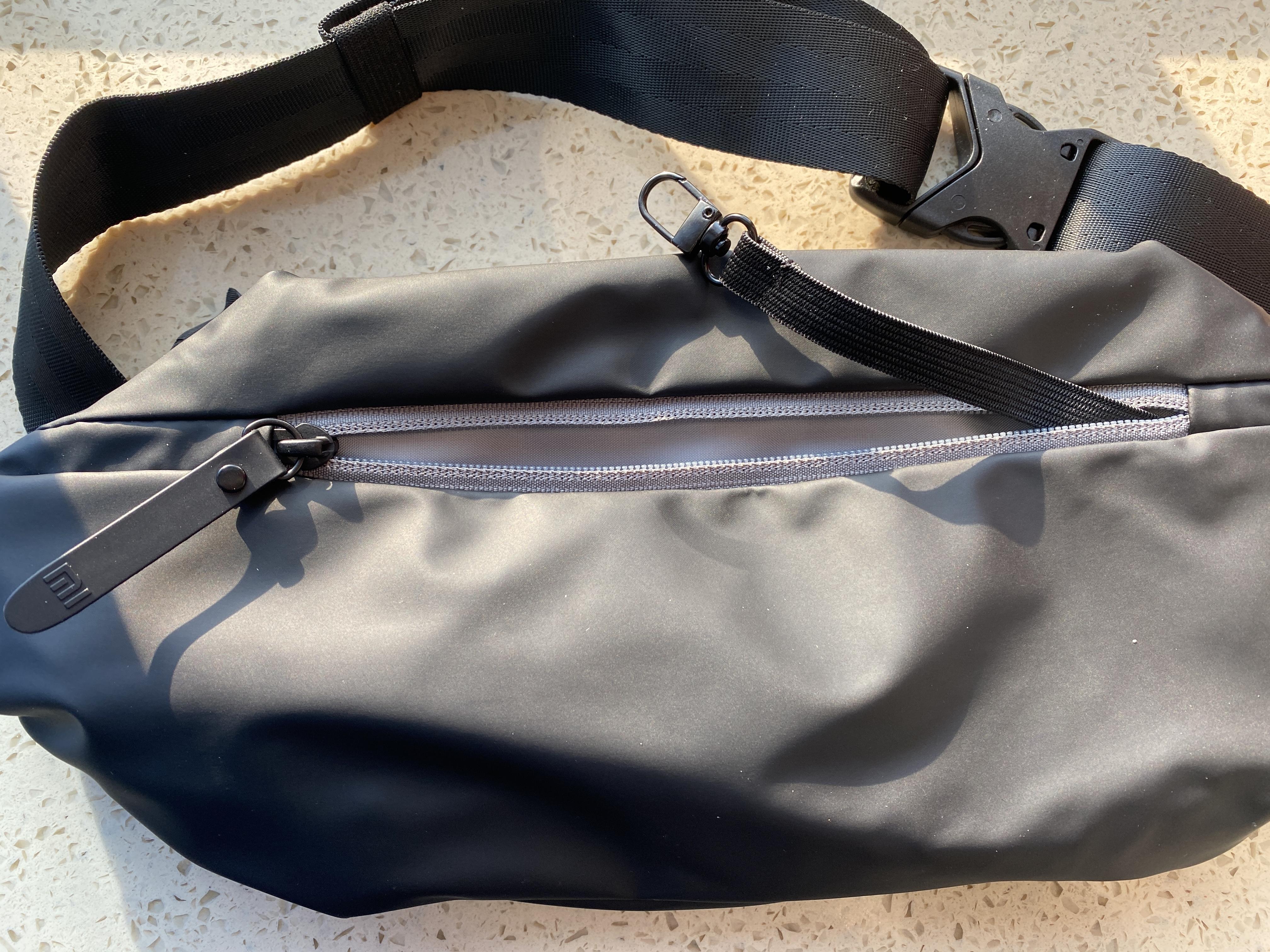 小米多功能运动休闲胸包,小身材大容量,轻便出行必备