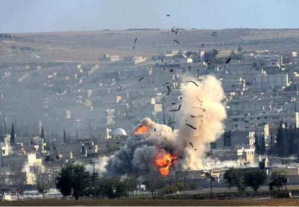 素有战争狂人之称的拜登于2月25日至26日凌晨,向叙利亚扔下7枚共3500磅炸弹,拉开了其上任以来的第一战,此事引世界广泛关注,经舆论几天的发酵,拜登以为自己打了个漂亮仗。  一是美军再次以零伤亡的代