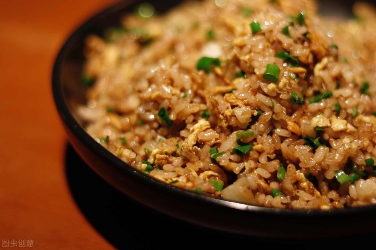 醬油炒飯時,多加1個步驟,米飯粒粒分明,賣相好又入味