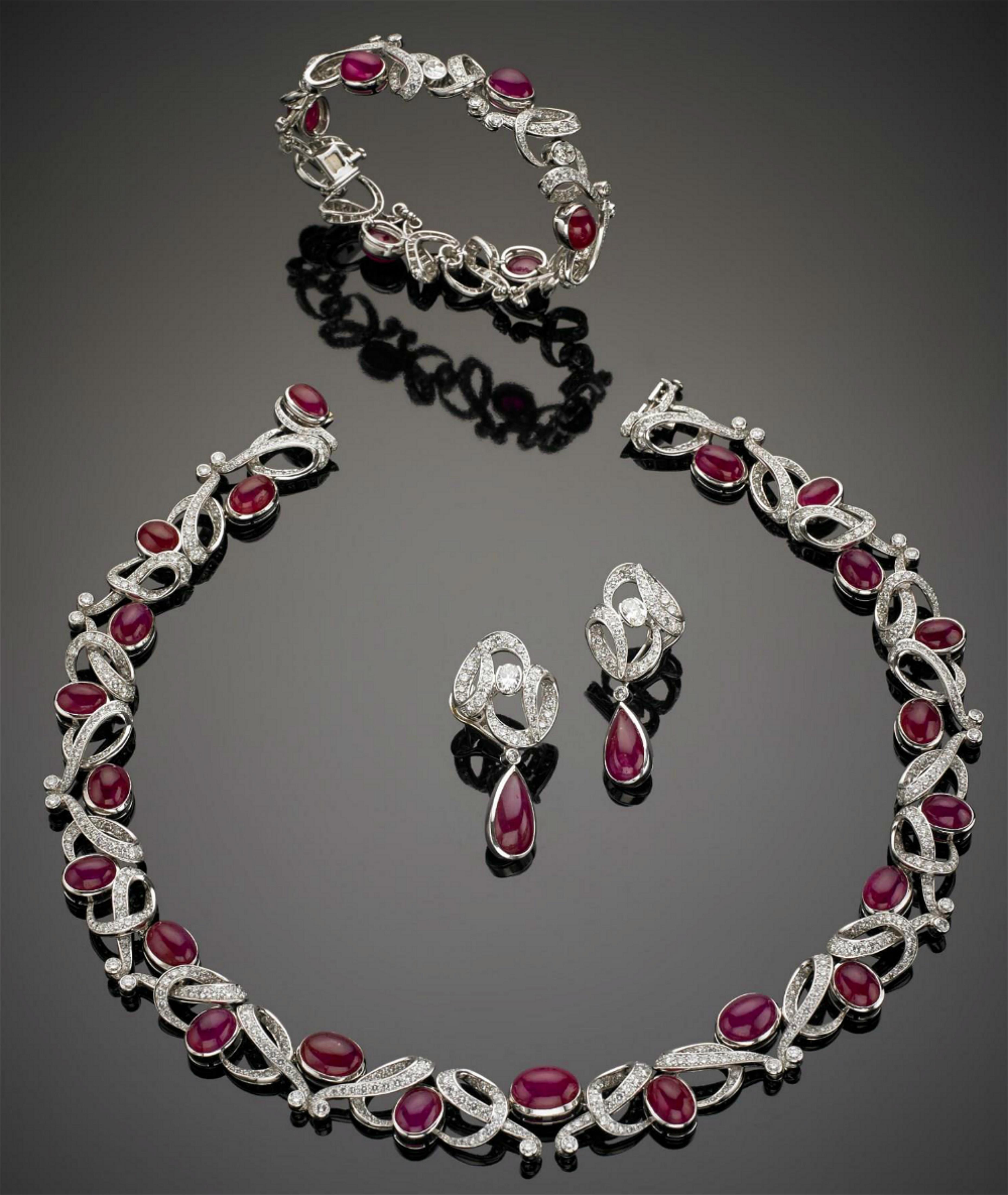左小青戴名贵珠宝首饰超阔气,多佩戴珠宝每个人都能成为焦点