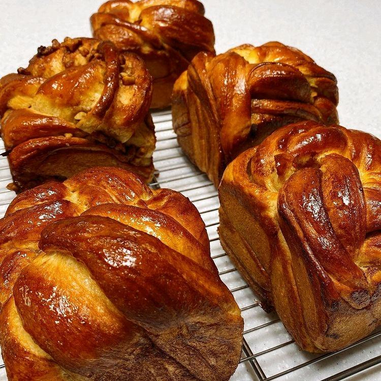 全炫茂靠吃零食减肥到41kg的小女友,做这么多面包怎么不吃