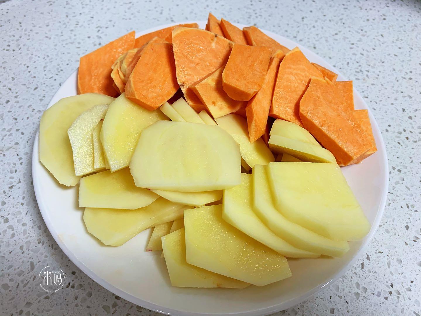 土豆的新吃法,不炖不红烧,卷一卷鲜香美味还拉丝,特好吃