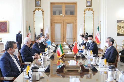 美国封锁彻底失败!与伊朗签署战略协议后,沙