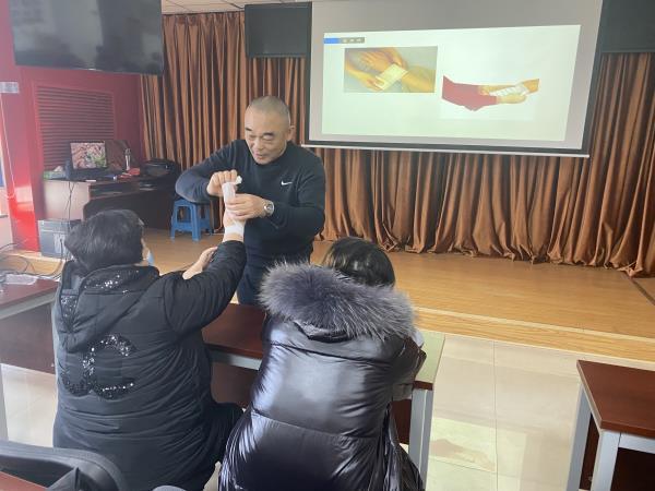 天津市北辰区果园新村街道辰兴家园社区创伤救护实训活动