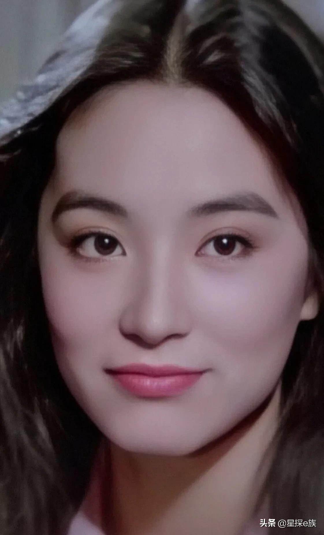 关之琳跟林青霞真人长什么样?
