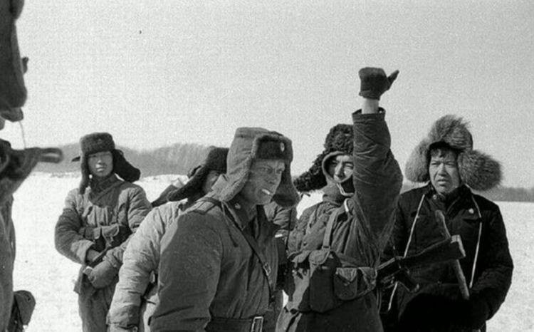 当年苏联陈兵百万欲南下中国,最终却没有下手,苏联在怕什么?