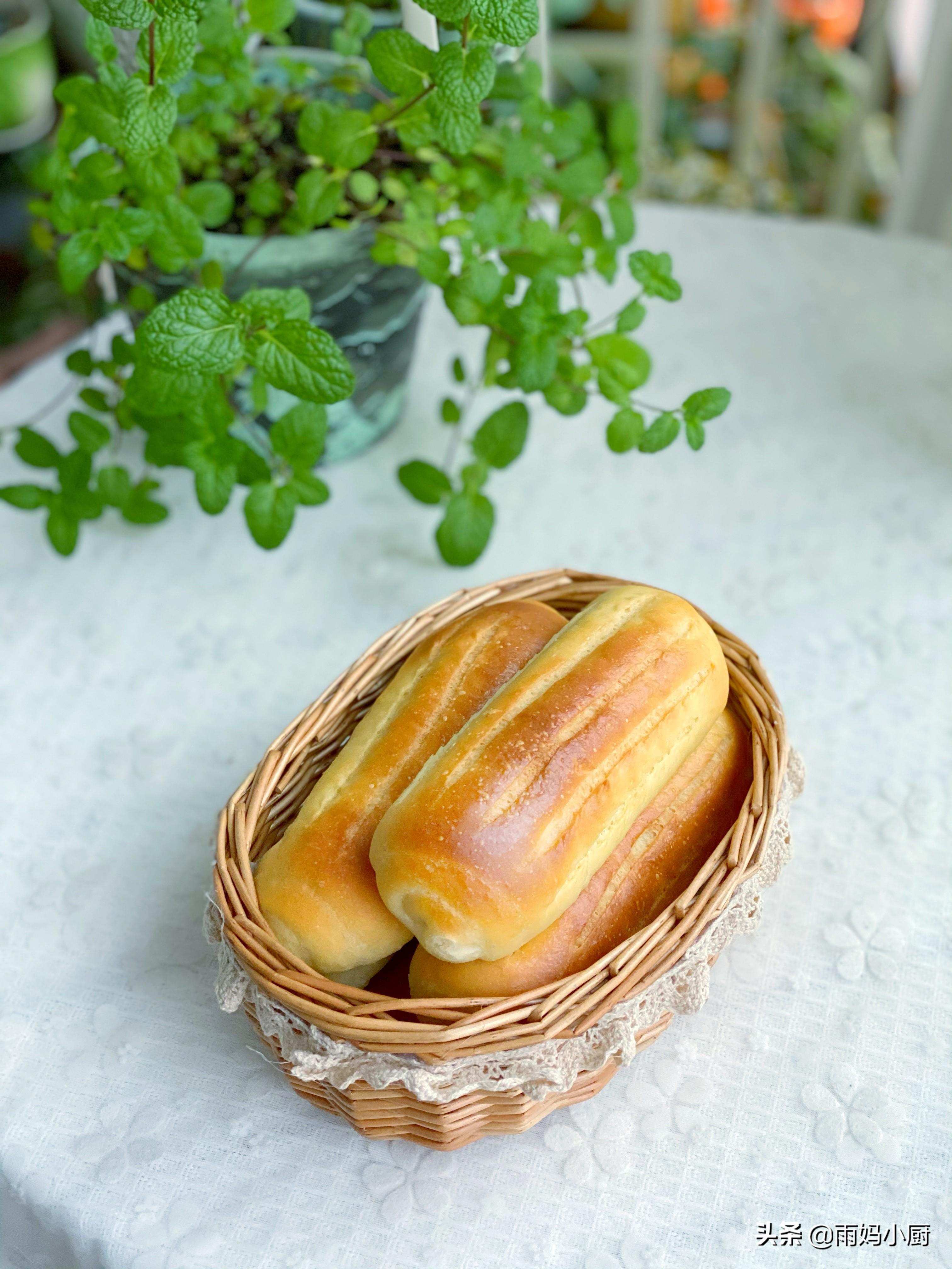 烘焙新手入門必做的小麵包,鬆軟細膩又美味,放三天也不硬