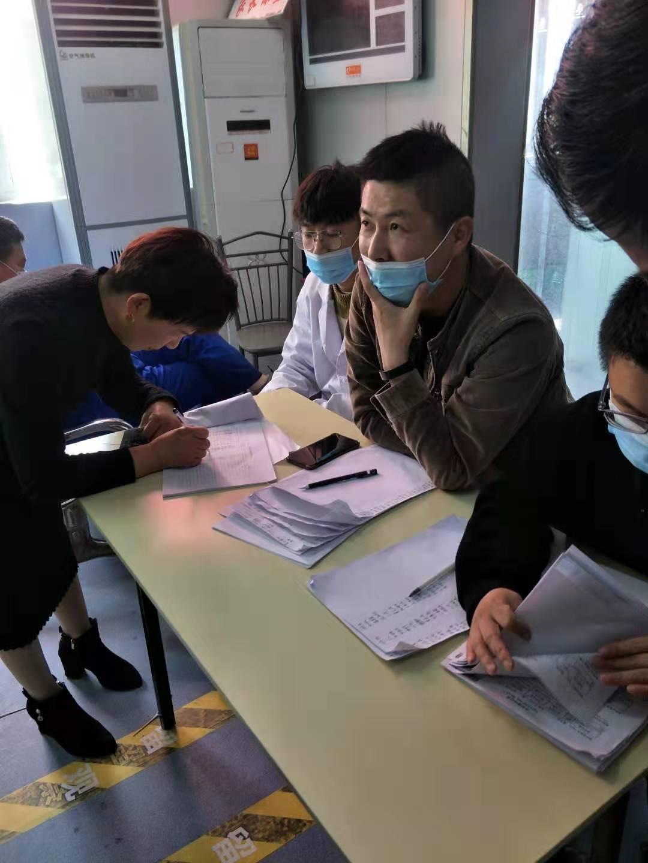 江苏响水县小尖镇网格员助力疫苗接种工作