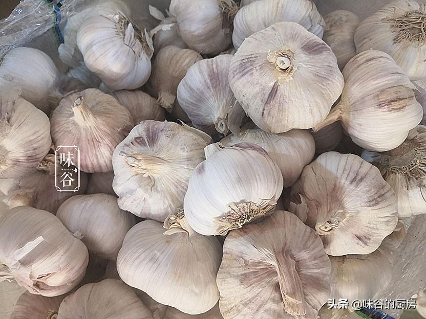 買大蒜時,要看4個地方,輕鬆挑出優質大蒜,隨吃隨新鮮,真實用