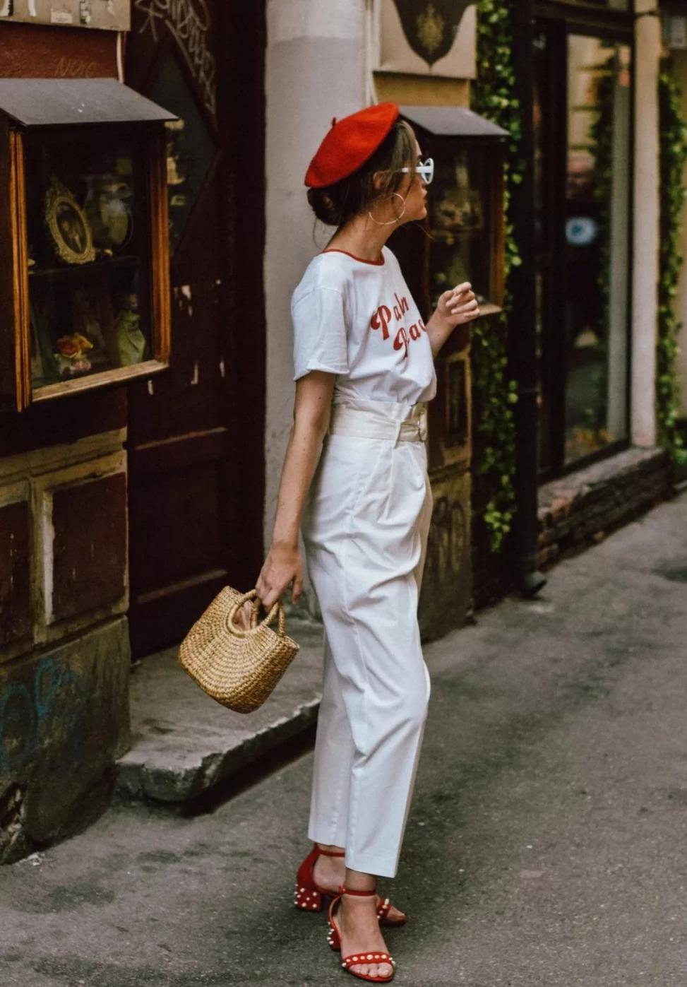 夏天穿衣服,只要牢记这5个技巧,时髦又显瘦,并不是越露越好看