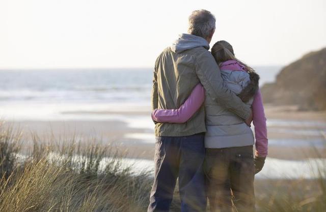 能够相伴一生的夫妻,多半熬过了这四种苦
