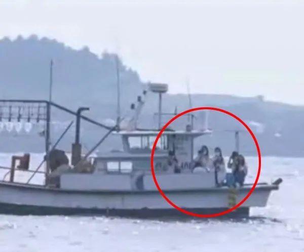 """防弹少年团成员揭歌谣界""""阴暗面"""";男团私生饭追到海上无人岛?"""