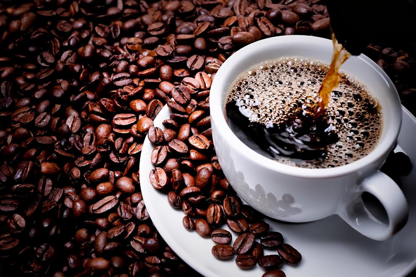 喜欢喝咖啡的人的福音,研究表明喝咖啡的人寿命更长