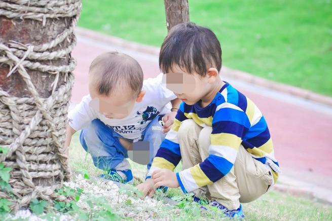 孩子总跟父母对着干?其实是有原因的,心理学家:关键在父母身上