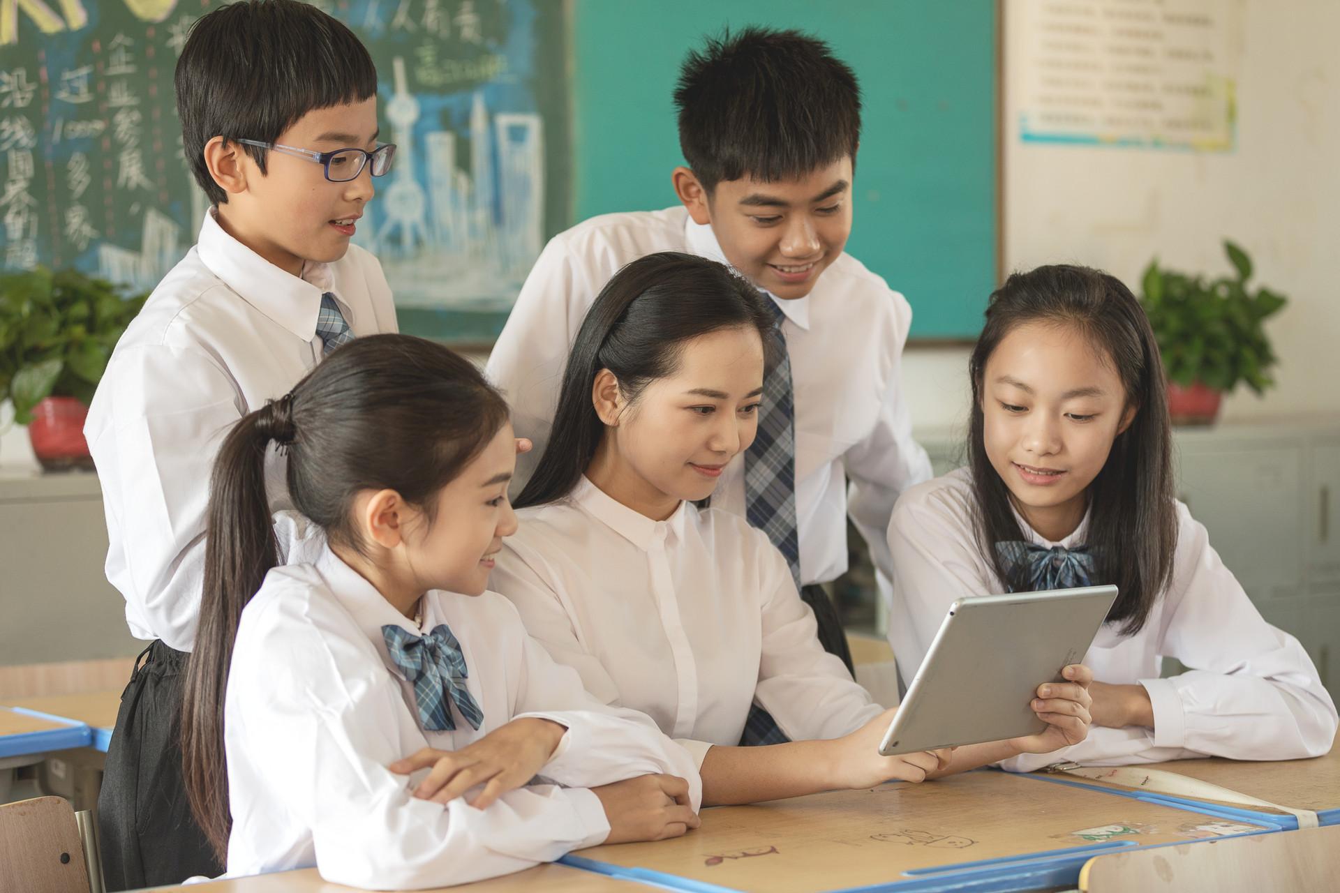 高考不管考得好不好,这8个专业有前途,值得考生报读