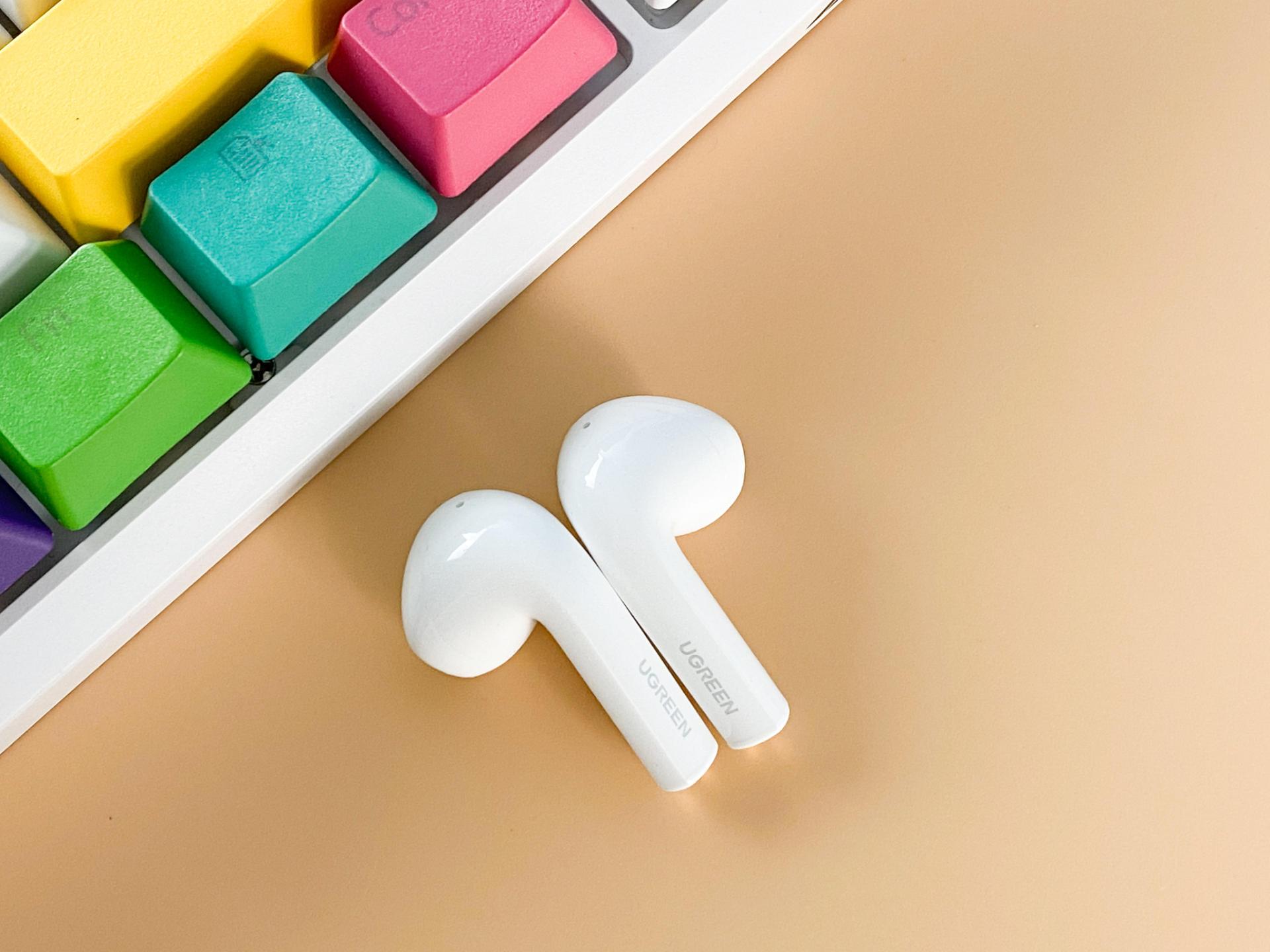 開學必備藍牙耳機,百元媲美AirPods?綠聯小海豚真無線藍牙耳機