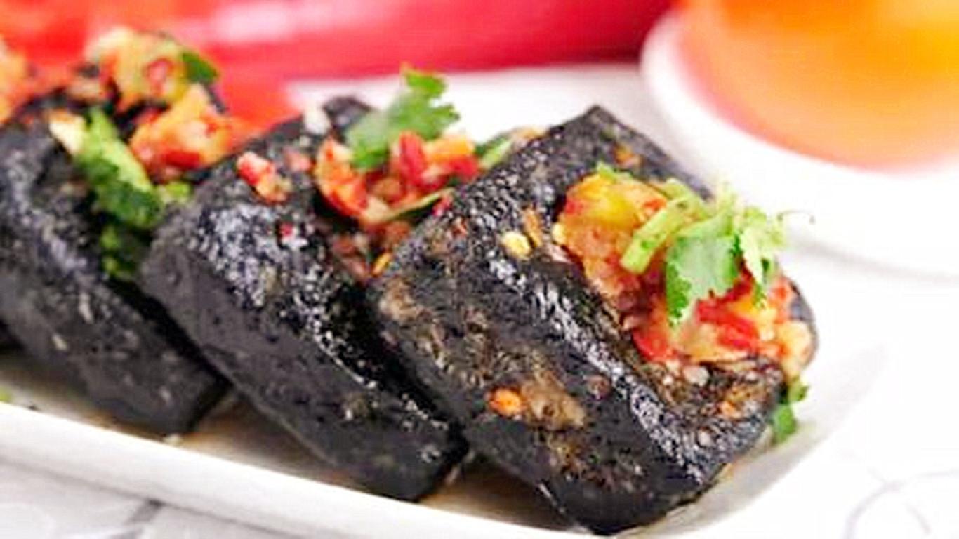 美食湖南、经典湘菜——辣椒炒臭豆腐,外酥内嫩、味美醇香扑面来