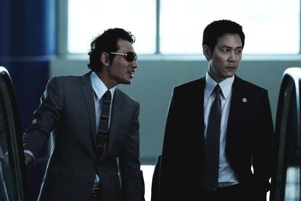 刘德华肖央《人潮汹涌》定档春节,翻拍日本电影,能否超越韩版?