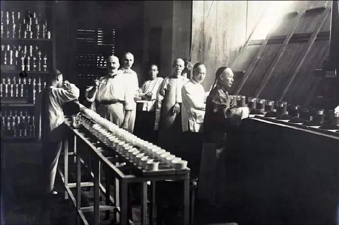 辉煌百年 感恩前行—纪念湖南茶业产学发展百年辉煌