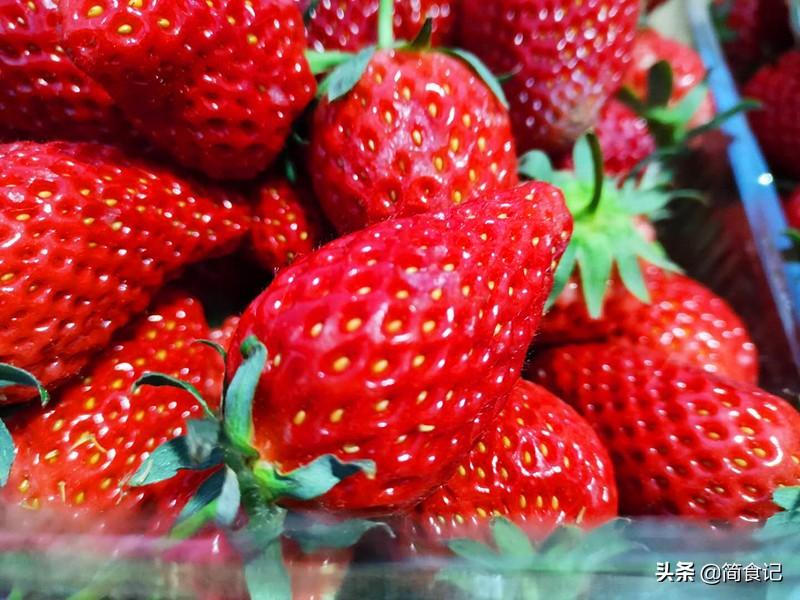 別再用鹽水洗草莓了! 果農教你1招,蟲卵自動溜走,吃著更健康