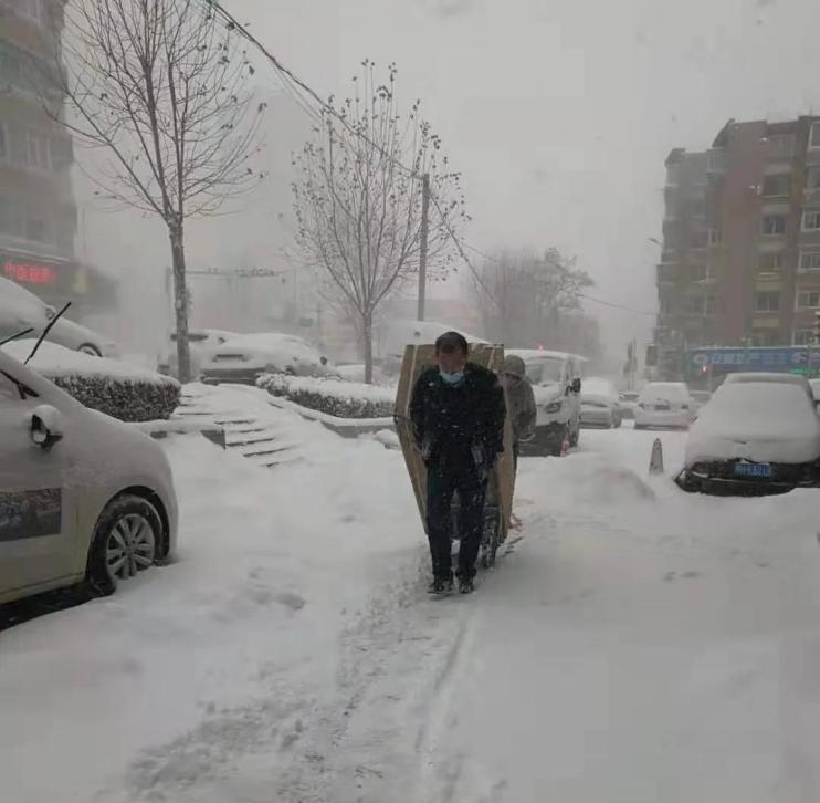 别人都在朋友圈晒雪景,海尔用户却晒服务温暖