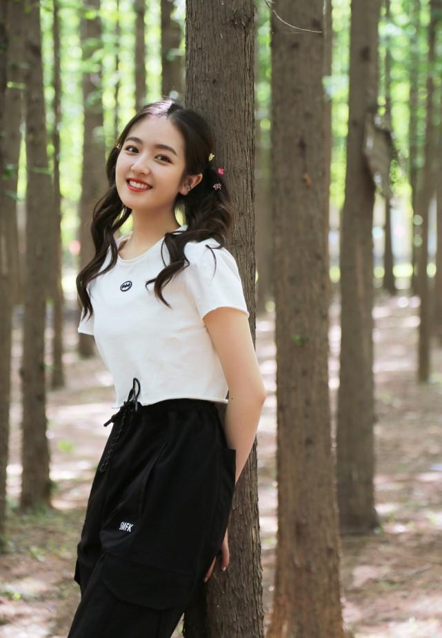 """赵薇苏有朋合体亮相,同穿""""白+黑""""有默契,连身材发福都同步了"""
