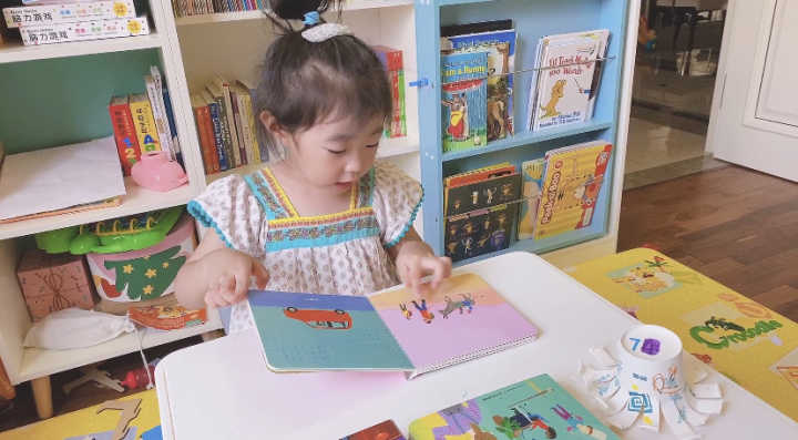 足不出户也能带娃看遍世界?这套超美的宝藏绘本你还不知道吧