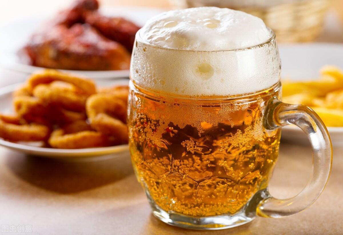 不想痛风发作,5种饮料一定要戒掉,小心痛风越来越严重
