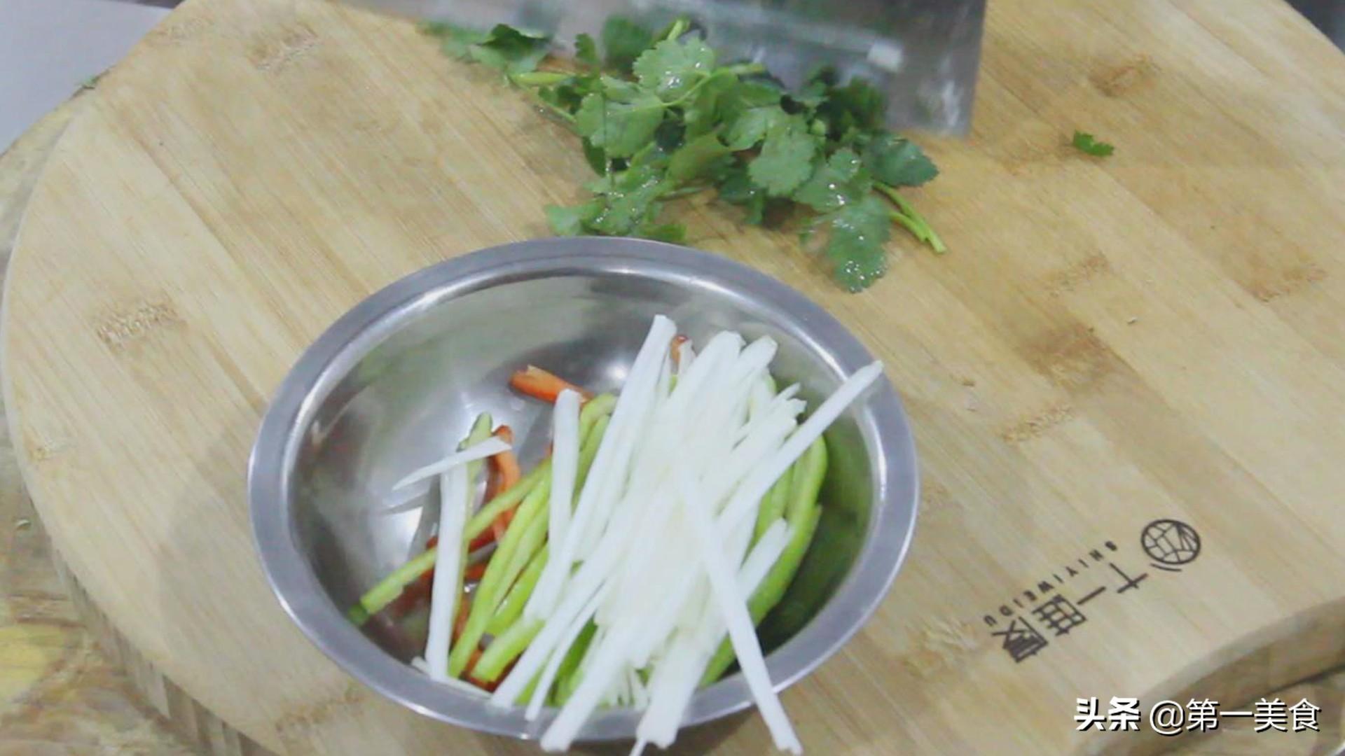 葱油茶干这样做 营养均衡 香脆可口 素菜中的扛把子