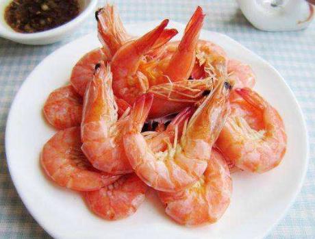 白灼虾的做法步骤图 白灼大虾别下锅煮了教你1招技巧虾肉更鲜