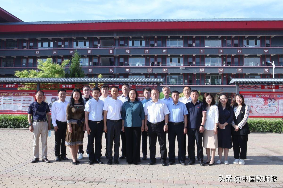 内蒙古乌海市举办首届项目式教学(PBL)成果展示交流活动